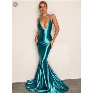 Sexy Mermaid With Train Teal Dress Size Small